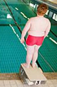 ni�o obeso haciendo deporte