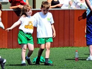 niño portero de futbol